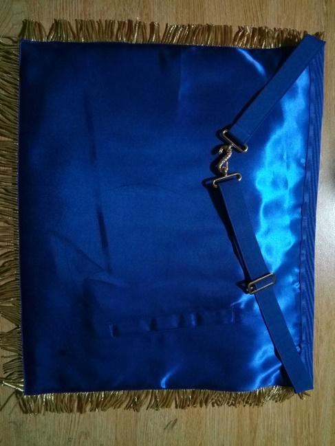 grand-master-apron-back